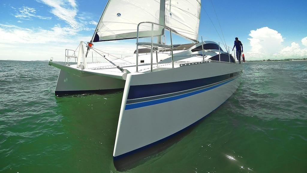 Island Spirit 380