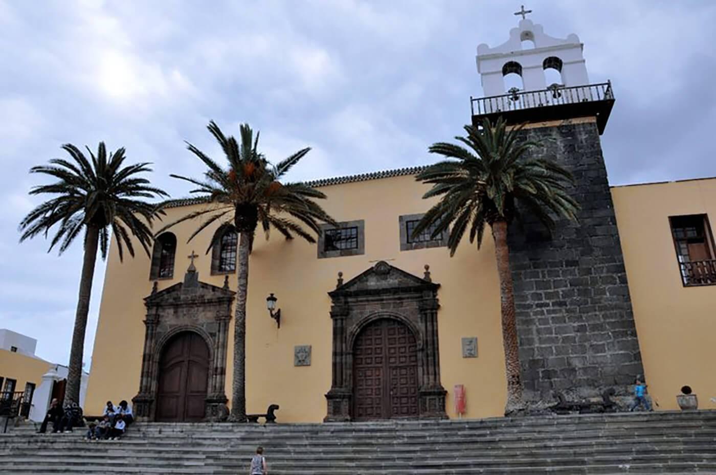 Wyspy-Kanaryjskie-25-Katedra-w-Garachico